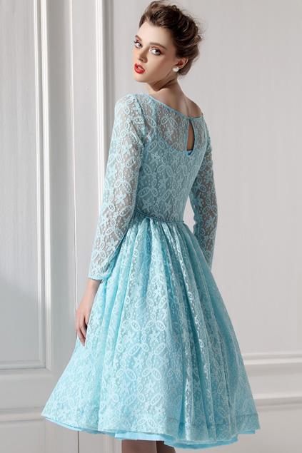 Xinh đẹp bất ngờ với váy xòe cổ điển 5