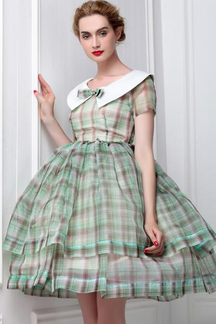 Xinh đẹp bất ngờ với váy xòe cổ điển 9