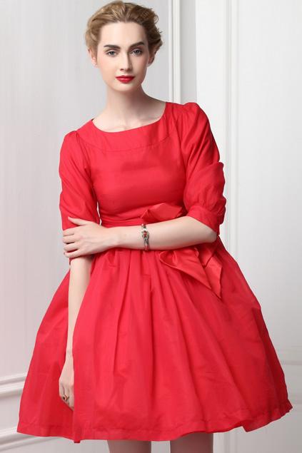Xinh đẹp bất ngờ với váy xòe cổ điển 2
