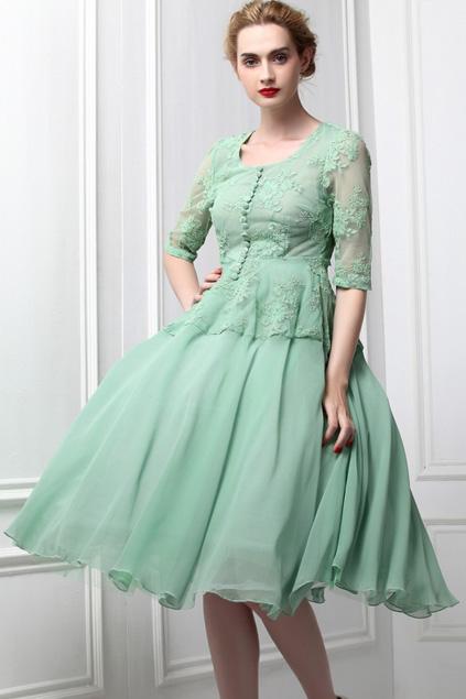 Xinh đẹp bất ngờ với váy xòe cổ điển 8
