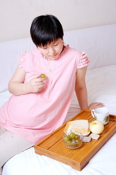 Những đồn thổi hoang đường về ăn uống lúc mang thai