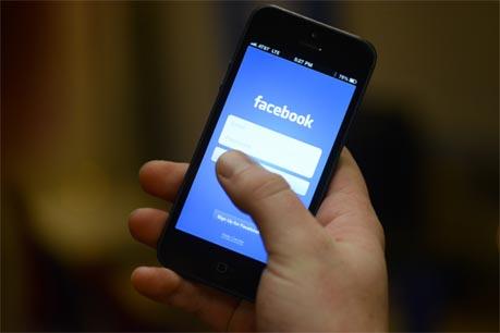 Facebook nâng cấp phiên bản di động 1