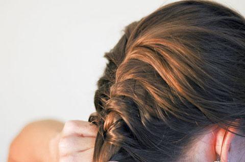 6 bước tết tóc đuôi cá dễ thương kiểu Pháp 5