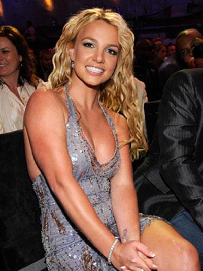 """Ngắm gu làm đẹp của """"công chúa"""" Britney"""