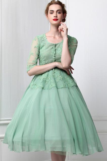 Xinh đẹp bất ngờ với váy xòe cổ điển 7