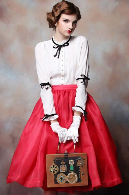 Xinh đẹp bất ngờ với váy xòe cổ điển 1