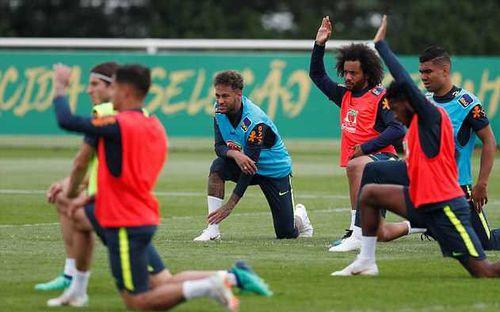 Neymar bất ngờ tái phát chấn thương trước thềm World Cup 2018