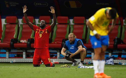 Làm người Brazil ngạc nhiên, Lukaku thêm một lần khẳng định khả năng nói 6 thứ tiếng