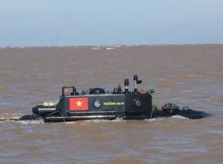 Bộ QP chỉ đạo khẩn tạm ngưng thử nghiệm tàu ngầm Trường Sa