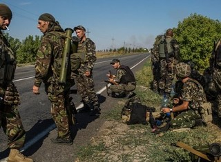 """Quân đội Kiev thất thủ: """"Ai từ chối chiến đấu, ngồi sang một bên"""""""