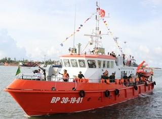 Tàu tuần tra, cứu hộ hiện đại của biên phòng Quảng Trị ra khơi