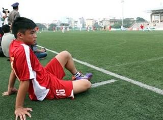 Cựu sao U19 Việt Nam không theo nổi V-League