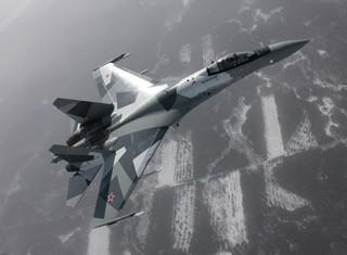 """Vì sao Trung Quốc """"sống chết"""" đòi mua Su-35S?"""