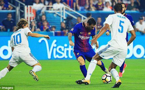 Vắng Ronaldo, Real gục ngã trước Barca trong trận Siêu kinh điển lạ lùng