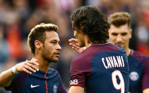 Cavani nhường Neymar đá penalty, PSG đại thắng 6-2