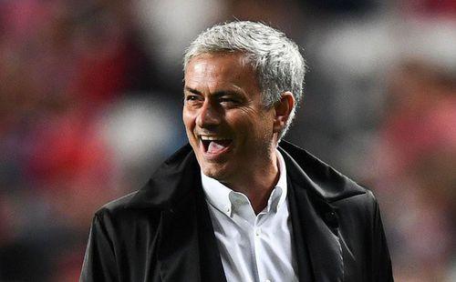 Chung kết FA Cup: Mourinho, ôi con người khốn khổ!