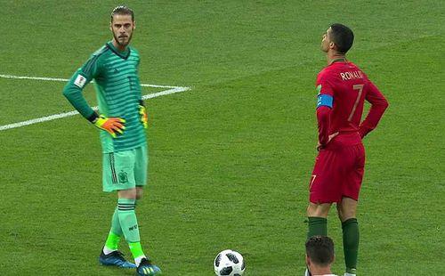 Mourinho bấm bụng chê học trò cưng, khen Ronaldo hết nấc