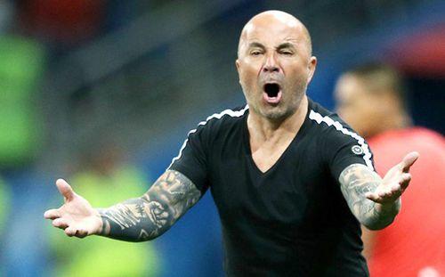 """Báo châu Âu tiết lộ: HLV Sampaoli sẽ """"bay ghế"""" ngay trong tuần này"""