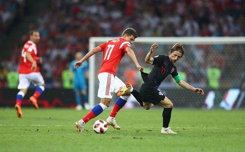 World Cup 2018: Thủ môn Ukraine bị sa thải vì cổ vũ cho ĐT Nga