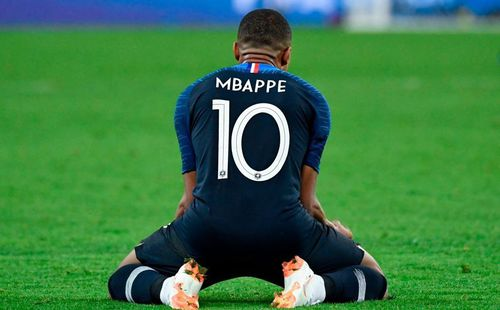 Quên Messi và Ronaldo đi, bây giờ là thời đại Mbappe