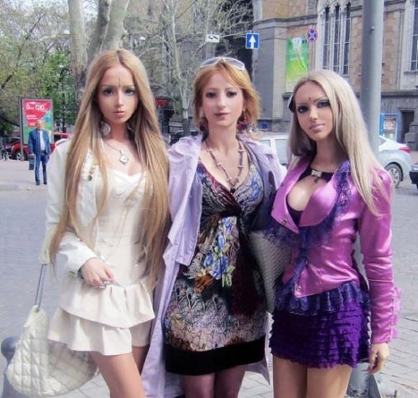 Gặp gia đình búp bê sống Valeria Lukyanova 1