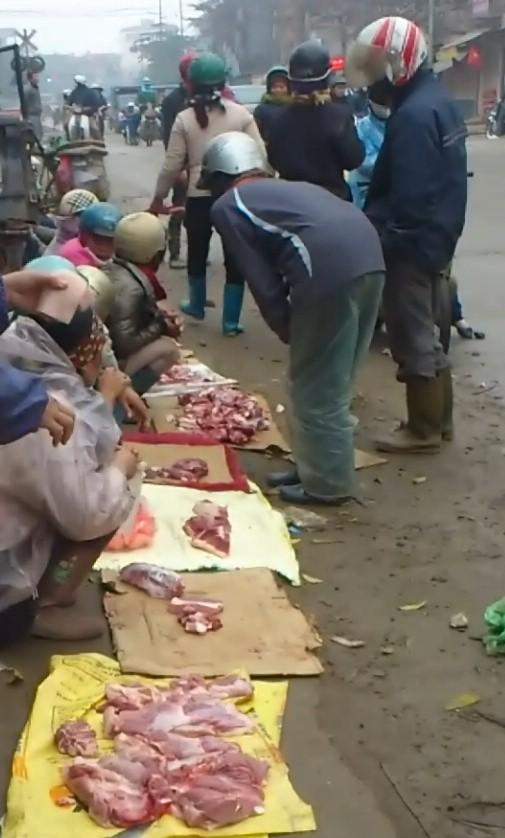 """Chợ cóc chuyên bán """"thịt ế, thịt ôi"""" ở cửa ngõ Thủ đô 1"""