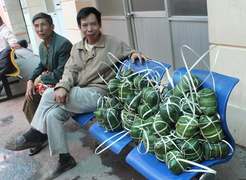 Thiếu gia đất mỏ gói giò tặng bệnh nhân nghèo 8