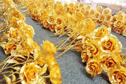 Quà Valentine dát vàng giá bạc triệu tại Hà Nội 2