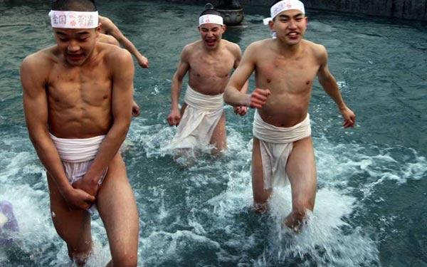 """Cận cảnh lễ hội """"khỏa thân"""" ở Nhật Bản 15"""