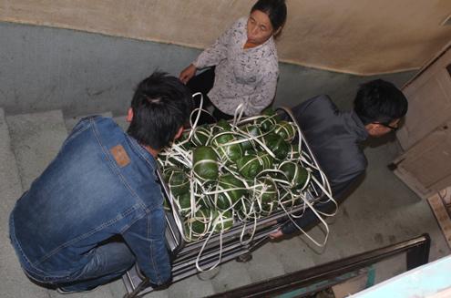 Thiếu gia đất mỏ gói giò tặng bệnh nhân nghèo 10
