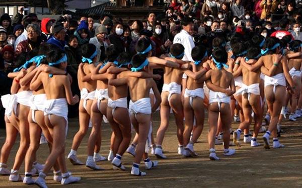 """Cận cảnh lễ hội """"khỏa thân"""" ở Nhật Bản 8"""