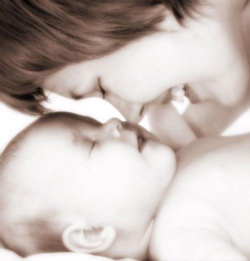 Giúp trẻ học và phát triển tốt 12 tháng đầu đời 1