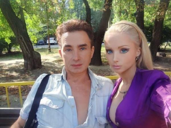Gặp gia đình búp bê sống Valeria Lukyanova 6