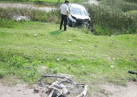 Ôtô của Phó phòng đâm 2 nữ sinh thiệt mạng 1