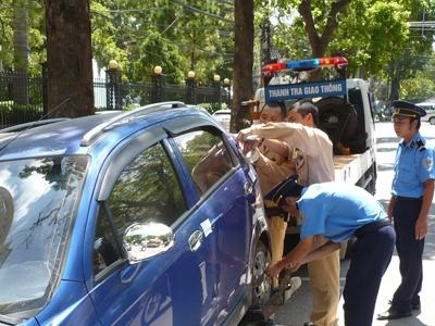 """Bộ Công an vẫn quyết phạt """"xe không chính chủ"""" 2"""
