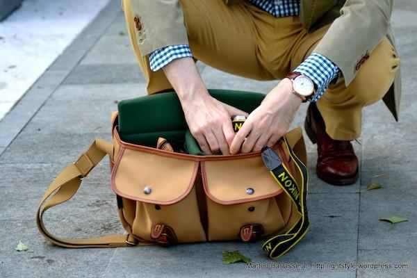 Bí quyết phối đồ với 6 kiểu túi quen thuộc cho nam giới - 11
