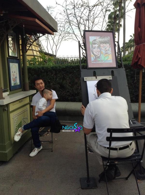 Lộ loạt ảnh Subeo cùng bố mẹ vui chơi tại Mỹ 1