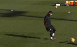 Messi ghi bàn kiểu