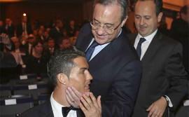 Real dồn hết tiền bán Ronaldo để