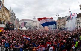 Về thôi Croatia, quê nhà có vòng tay ấm áp của người hâm mộ