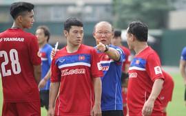 Mr Park lý giải việc chọn 4 tân binh, khẳng định ít biết về Công Phượng