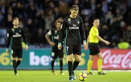 Ronaldo lại tịt ngòi, Real Madrid kém Barca tới 18 điểm
