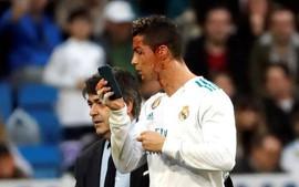 Ronaldo lập cú đúp, chảy máu dòng dòng trên mặt trong chiến thắng 7-1 của Real Madrid
