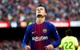 Hàng công gây thất vọng, Barca tự bắn vào chân mình