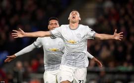 Man Utd ngược dòng nghẹt thở, đòi lại vị trí thứ hai