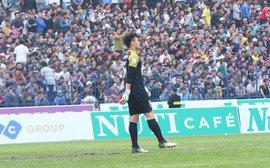 HLV Mihail Marian bóng gió trách thủ môn Bùi Tiến Dũng?