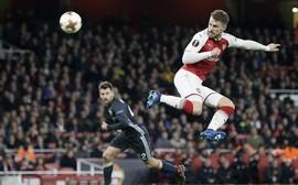 Ramsey lập cú đúp, Arsenal đặt một chân vào bán kết Europa League
