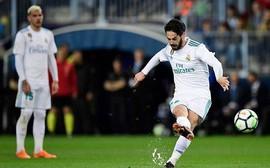 Ronaldo vắng mặt, Real Madrid thắng dễ Malaga nhờ kép phụ Isco