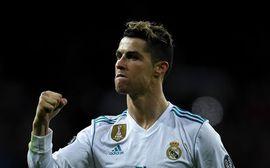 Ronaldo đánh gót siêu đẳng, Real Madrid thoát thua tại Bernabeu