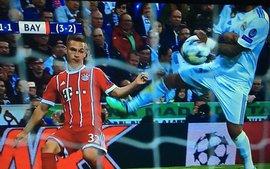 Trọng tài tai tiếng Cakir một lần nữa thiên vị Real, khiến fan Bayern tức điên
